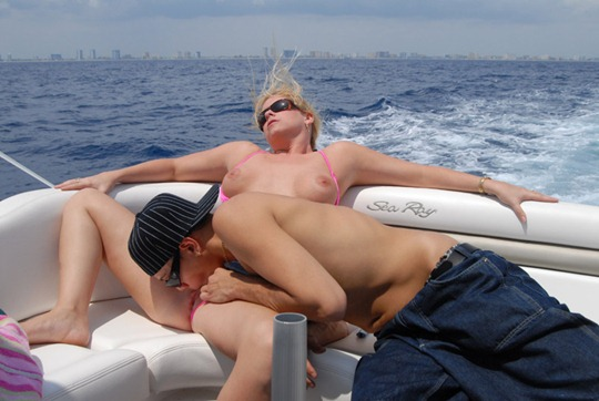 kameron keys gets her pussy licked on open sea